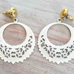 SHABBY CHIC Vintage Lace Pierced White Earrings